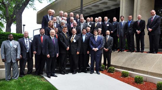 http://www.theamericanchiropractor.com/images/Chiro-Summit-IX-Groupissue6.jpg
